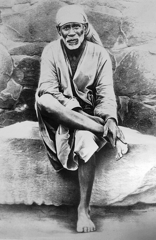 Sai is pure consciousness and cannot be contained in any form, any form. Omniscent, omnipotent and omnipresent.