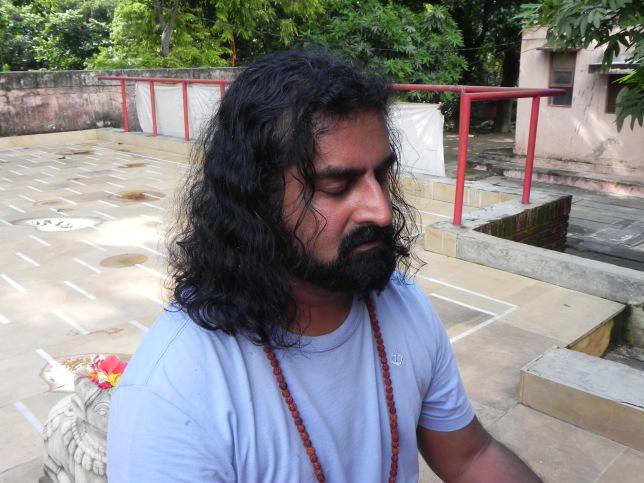 2010 - Mohanji - India - Haridwari - Lahiri Mahashaya Samadhi (8)